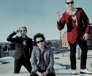 green day, tre cool, and band image