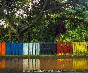 pallet fence, pallet patio fence, and pallet backyard fence image