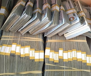 money and rich image