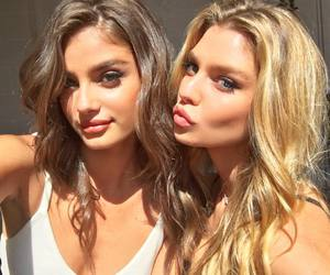 taylor hill, model, and stella maxwell image