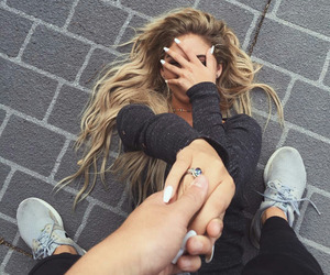 blond hair, model, and nails image