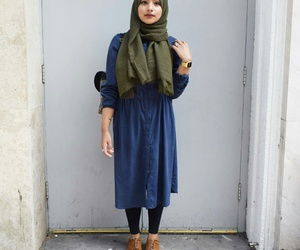 2016, hijab, and outfit image