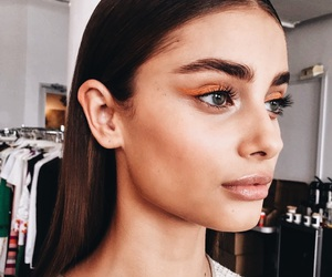 beautiful, fashion show, and taylor hill image