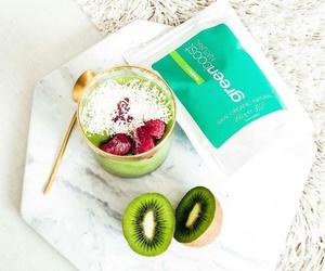 kiwi and smoothie image