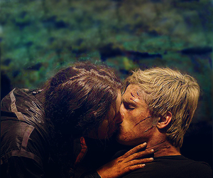 kiss, love, and peeta image