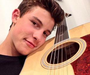 shawn mendes, guitar, and shawnmendes image