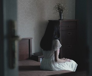 dark, girl, and aesthetic image