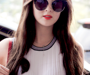 airport, glasses, and jessica image