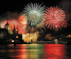 firework and budapest image