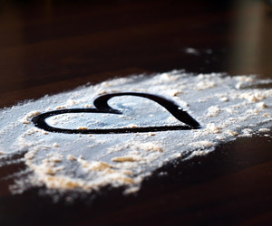 flour, heart, and photographie image