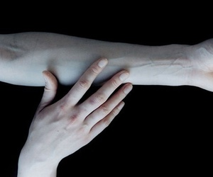 pale, grunge, and veins image
