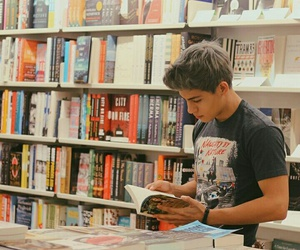 books, booktuber, and guapo image