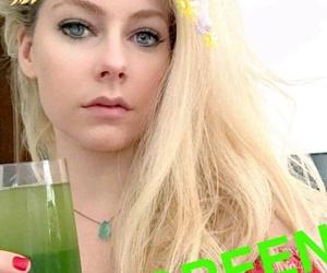 Avril Lavigne and snapchat image