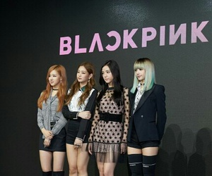 girl group, rose, and blackpink image