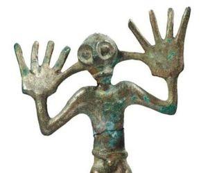 artifact, statue, and bronze image