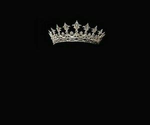 queen black crown image