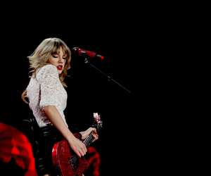 fashion, Taylor Swift, and red tour image