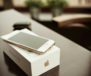iphone 5s, gadget, and iphone image