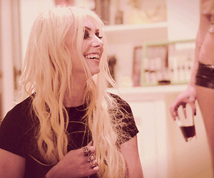 behind the scenes, girl, and momsen image