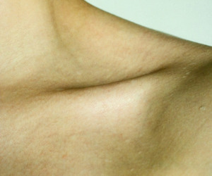 collarbone and photography image