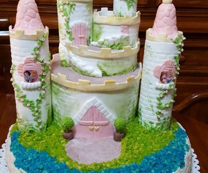 princess cake and castle cake image