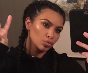 kim kardashian, selfie, and icon image