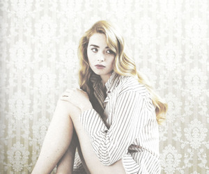 freya mavor, skins, and mini mcguinness image