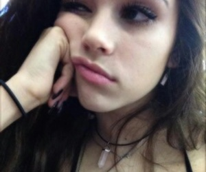 icon, girl, and maggie lindemann image