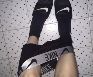 nike and pale image
