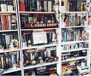 books and shelfie image