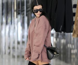 fashion, kourtney kardashian, and kardashian image