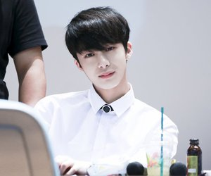 kpop, hyungwon, and chae hyungwon image