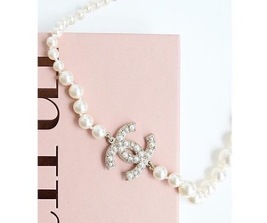 chanel, chanel pearls, and simple and elegant image