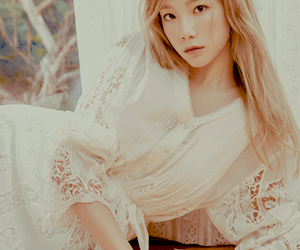 taeyeon, snsd, and clothes image