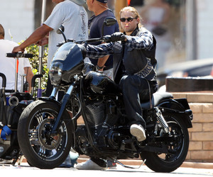 Charlie Hunnam, harley davidson, and sons of anarchy image