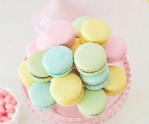 sweet, pastel, and macarons image