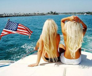 america, blond, and ocean image