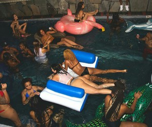 pool party image