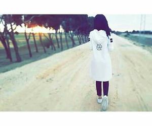 Image by Y U Y A