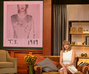 Taylor Swift, 1989, and shake it off image