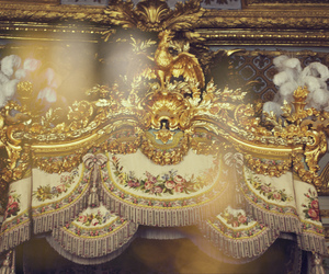 bed and marie antoinette image