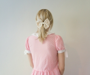 blonde, bow, and hair tie image