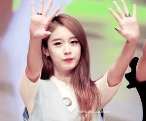 tara, t-ara, and jiyeon image