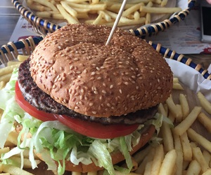 burger, eat, and pommes image