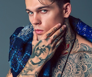 model and stephen james image
