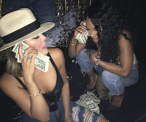 money, khloe kardashian, and kardashian image