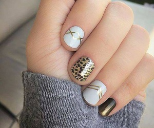 get the look, gold, and nail art image