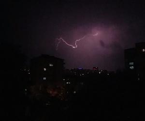 rain, gece, and gök gürültüsü image
