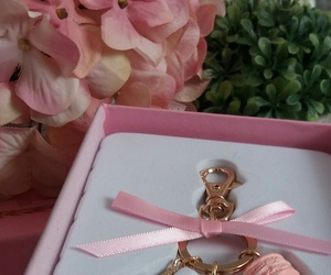 flores, pink, and macarrones image
