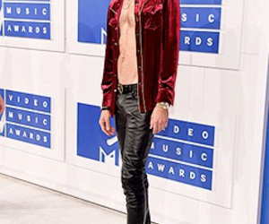 celebrity, mtv vma, and g eazy image